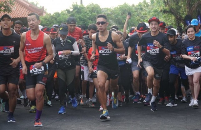 1.500 Peserta Antusias Ikuti BCA Super League Triathlon 2019 (Foto Dok Industry.co.id)