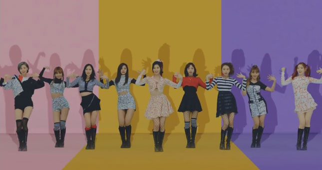 Girls Band TWICE Rilis Video Klip, Knock Knock (Ist)