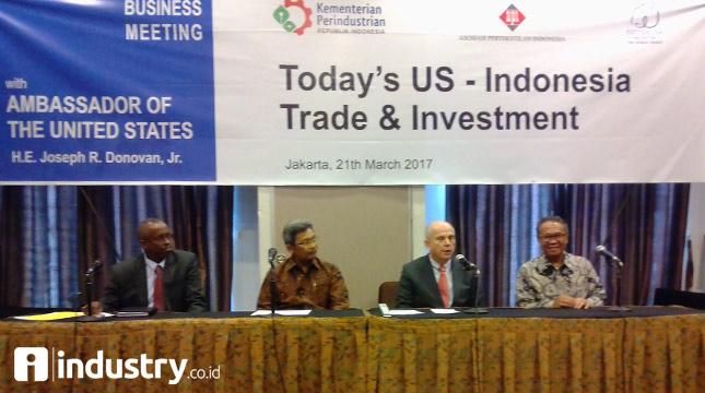 Duta Besar Amerika Serikat (AS) untuk indonesia H.E. Joseph R, Donovan, Jr. (kedua dari kanan) - (Hariyanto/INDUSTRY.co.id)