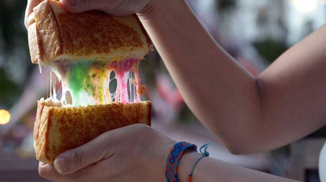 Kuliner di Singapura, Rainbow Cheese Toast
