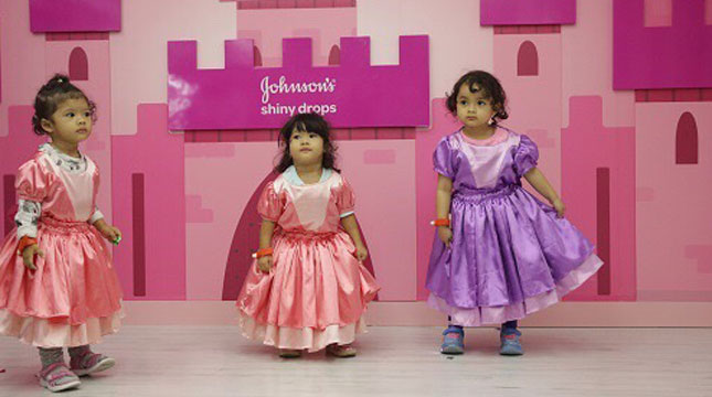 Johnson & Johnson Indonesia bekerjasama dengan KidZania Jakarta, menyediakan sarana belajar untuk anak-anak, yakni bertajuk Johnsons Shiny Drops Dance Studio