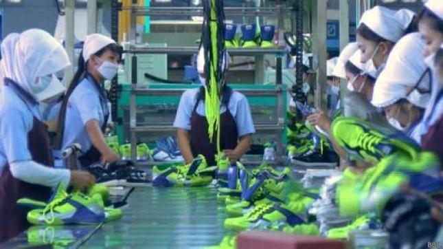 Produksi Alas Kaki (Foto BBC.com)