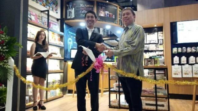 Wonder Photo Shop Gerai Foto Berkonsep Retro Hadir Pertama di Indonesia, di Mal Kota Kasablanka, kolaborasi Fuji Film Indonesia dan Era Jaya, Jumat (16/6/2017)