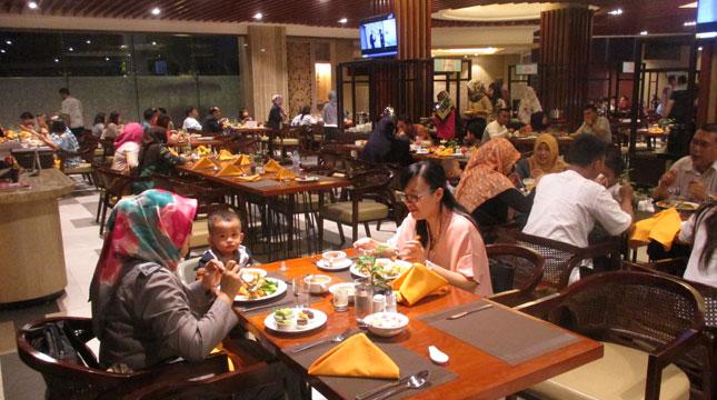 8 Ribu Pengunjung Buka Puasa di Best Western Panbil Batam (IST)