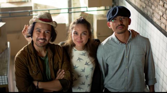 "Chiko Jericko, Luna Maya, dan Rio Dewanto dalam ""Filosopi Kopi 2, Ben dan Jody"""