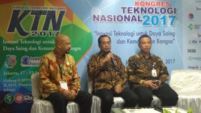 Menteri Perhubungan Budi Karya Sumadi Janjikan Kemudahan Uji Kelayakan Mobil Listrik, Senin (17/7/2017) Foto: Fadli Industry.co.id