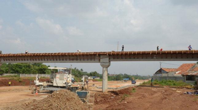 Ilustrasi pembangunan jalan tol. (Adek Berry/AFP/Getty Images)