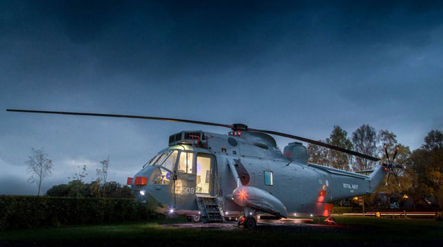 Royal Navy ZA127 Sea King Helikopter yang diubah Jadi Hotel (Foto:http://homes.nine.com.au)