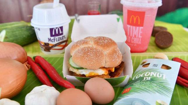 Menu Makanan McDonalds Nasi Lemak Burger, Chendol McFlurry and Bandung McFizz (Foto:McDonald's)