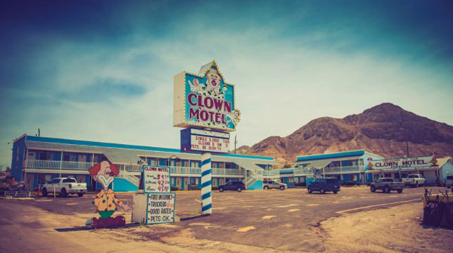 Clown Motel (Hotel Badut) di Tonopah, Nevada (Foto:Wayne Stadler/Flickr)