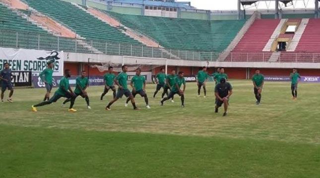 Timnas Indonesia menggelar latihan ringan