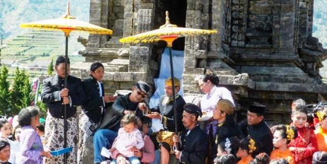 Cukur Rambut Gembel Puncak Acara Dieng Dieng Culture Festival (Foto Ist)