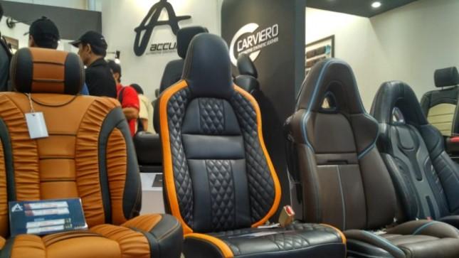 Produsen jok mobil nasional, Accura turut meramaikan ajang pameran otomotif GAIKINDO Indonesia International Auto Show 2017.