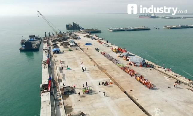 Proyek pembangunan dermaga Pelabuhan Kuala Tanjung, Sumatera Utara ( Dok INDUSTRY.co.id)