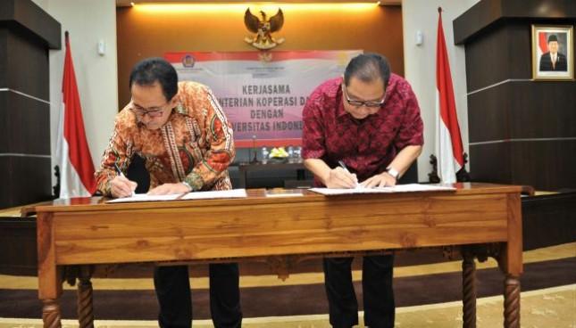 Menteri Koperasi dan UKM Puspayoga bersama Rektor UI Prof Dr Anis Emed jalin kerja sama kembangkan Web Portal UKM, Jakarta, Kamis (14/9/2017)