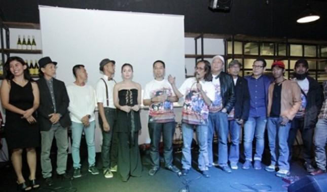 """Sutradara dan Pemain film """"Enak Tho Jamanku"""""""