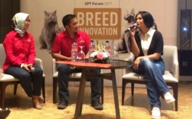 Dian Nitami (kanan) dalam Royal Canin Breed Innovation Forum