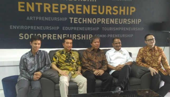 Menteri Pariwisata Arief Yahya dalam President Lecture Indonesian Tourism Enterpreneurship Between Local Business Creation and Global Competition di President University,Senin (25/9/2017) (Foto: Fadli Industry.co.id