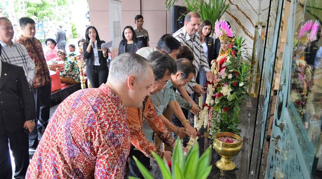 Cutting Ribbon Pembukaan Swiss-Belhotel Yogyakarta