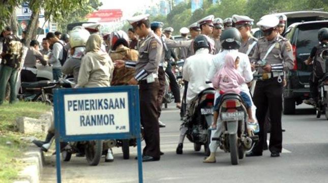 Tilang oleh Polisi Lalulintas
