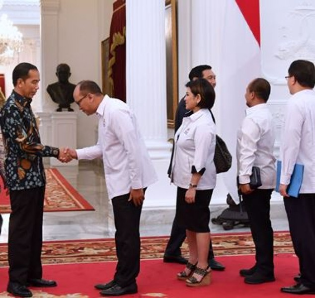 Presiden Jokowi bersama Ketua Umum Kadin Rosan Roeslani (Foto Setkab)