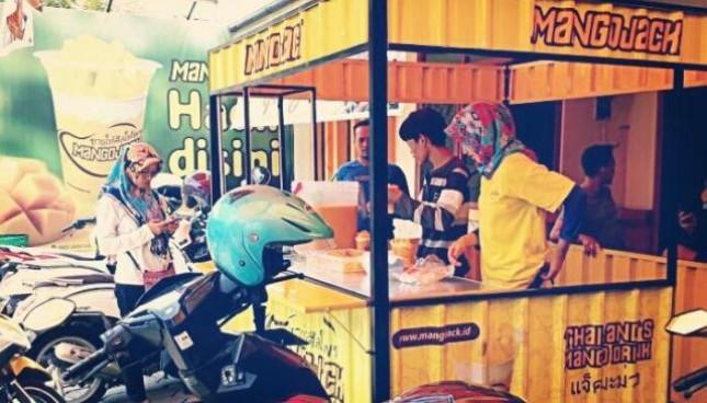Mangojack brand asli Indonesia menawarkan bisnis kemitraan atau waralaba dengan nilai investasi Rp 7 Jutaan
