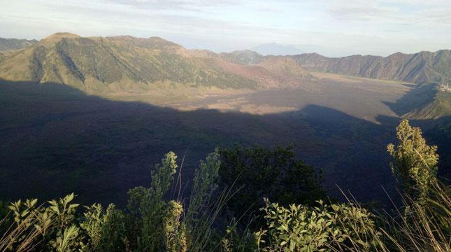Pemandangan Alam dari Puncak B-29 di Desa Argosari, Kecamatan Senduro, Kabupaten Lumajang, Jawa Timur (Chodijah Febriyani/Industry.co.id)