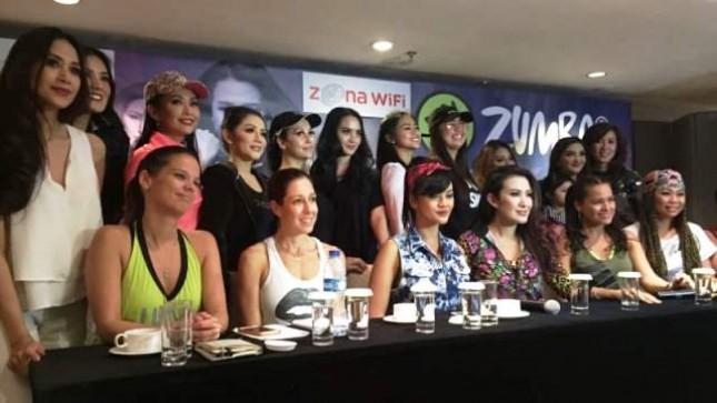 Liza Nathalia bersama Sejumlah Selebriti dan Perwakilan Zumba Internasional