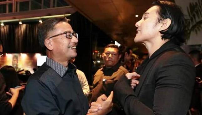 Ferry Mursyidan Baldan bersama Vino Bastian , Pemeran Chrisye dalam film Chrisye (ist)
