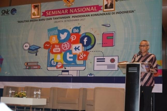 Staf Ahli Menkominfo bidang Teknologi Herry Abdul Aziz dalam Seminar Nasional Realitas Media Baru dan Tantangan Pendidikan Komunikasi di Indonesia di Jakarta, Kamis (30/11/2017).