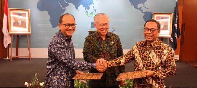 Ketua Kadin Indonesia Rosan Perkasa Roeslani dan Mendag Enggartiasto Lukita (Foto Ridwan)