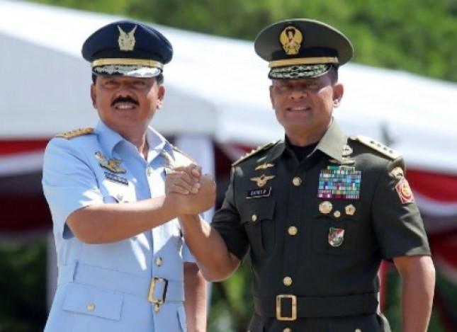 Panglima TNI Marsekal Hadi Tjahjanto dan Jenderal TNI Gatot Nurmantyo (Foto Dok Industry.co.id)