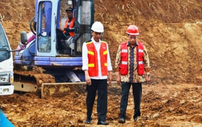 Presiden Jokowi dan Menhub Budi Karya Sumadi (Foto Setkab)