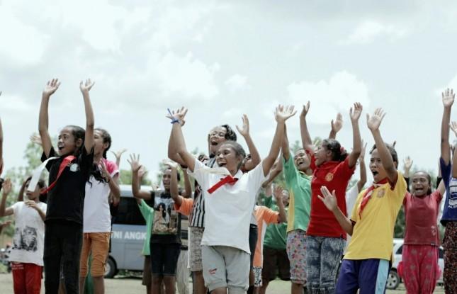 Keceriaan anak-anak di Sekon (dok INDUSTRY.co.id)
