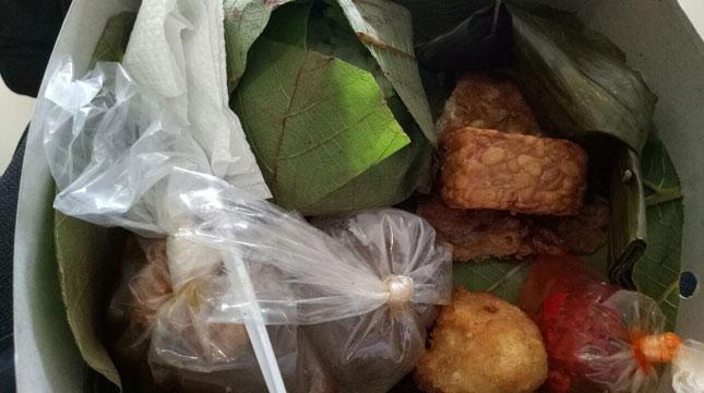Nasi Jamblang, Kuliner Khas Cirebon (Foto: Chodijah Febriyani/Industry.co.id)