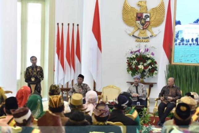 Presiden Jokowi menerima audensi puluhan raja dan sultan (Foto Setkab)