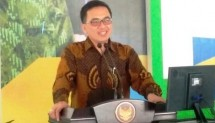 Ketua Harian Dekopin Agung Sudjatmoko