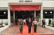 Presiden Jokowi bersama Panglima TNI dan Kapolri (Foto Setkab)