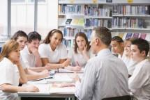 Ilustrasi Kegiatan Berdiskusi Di Kelas. (Foto Ist)