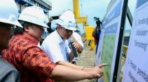 Menteri Perencanaan Pembangunan Nasional Bambang Brodjonegoro melakukan kunjungan ke PT PAL Indonesia