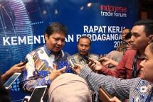 Menperin Airlangga Hartarto bersama Kepala BPPI Ngakan Timur Antara (Foto: Humas)