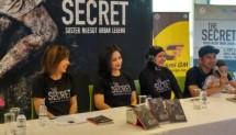 Artis Raffi Ahmad kembali memproduksi film bergenre horor yaitu film yang berjudul The Secret: Suster Ngesot Urban Legend.