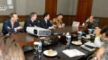 Arcandra Tahar dalam pertemuan dengan investor dan KJRI New York