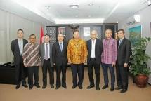 Menperin Airlangga Hartarto bersama Country Manager Genting Energy Wandy Wanto (Foto: Dok. Industry.co.id)
