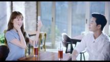 Park Seo Joon dan Lee Sung Kyung dalam iklan brand LANEIGE. (Source: YouTube)