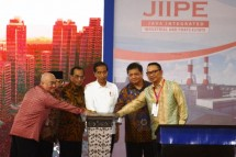 Presiden Jokowi saat peresmian beroperasinya JIIPE Gresik Jatim (Foto Setkab)