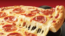 Pizza Makanan Khas Italia (Ist)