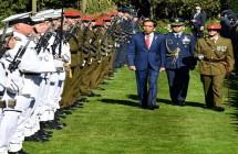 Upacara kenegaraan sambut kedatangan Presiden Jokowi di Selandia Baru, Senin (19/3). (Foto: BPMI)