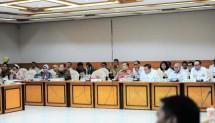 Menteri Koperasi dan UKM Puspayoga dalam Rapat Kerja dengan Tim Pengawas TKI DPR RI, di Jakarta, Rabu (21/3).