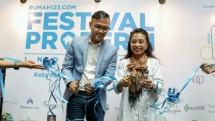 Head of Sales Rumah 123 Usman Raezra bersama Direktur Layanan PPDPP Kementerian PUPR Saraswati saat pembukaan acara Festival Properti Indonesia 2018